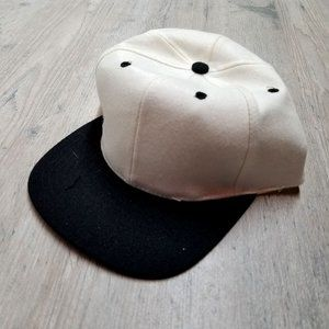 Vintage 2 Tone Snapback Hat. Perfect Condition!